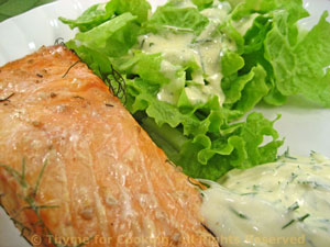 Grilled Salmon with Dill Sauce and Salad
