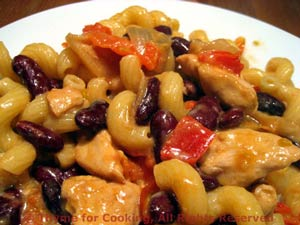 Pasta with Chicken, Red Pepper and Red Beans