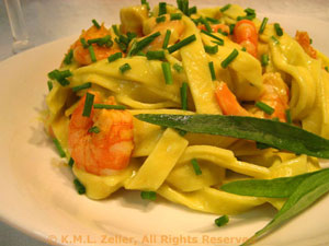 Pasta with Shrimp (Prawn) and Avocado Sauce