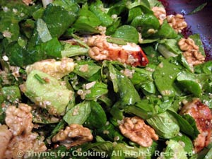 Spinach Salad with Chicken, Quinoa and Avocado